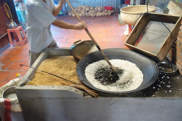 Popping rice