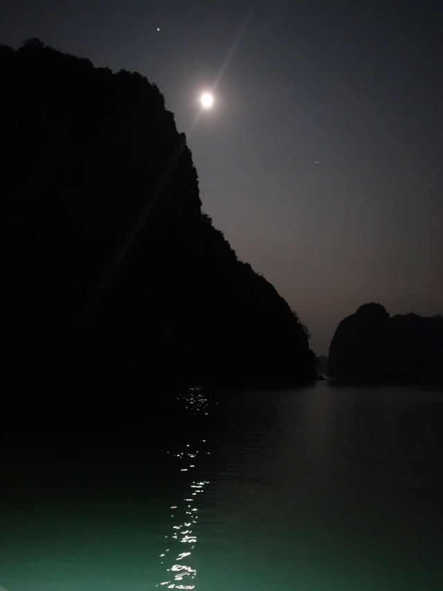 Moonlight as we returned to boat